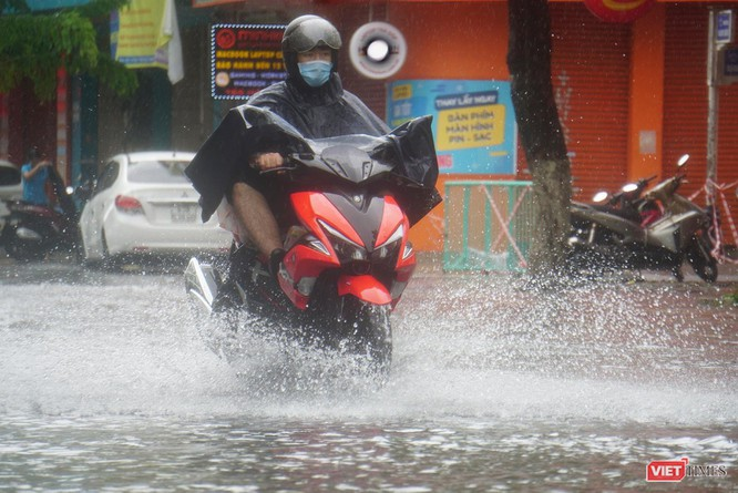 Cập nhật bão số 5 ở Đà Nẵng: Mưa lớn, gió giật mạnh, nhiều tuyến đường ngập nặng ảnh 5