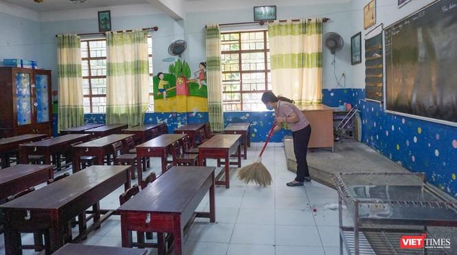 Đà Nẵng dọn dẹp trường lớp, sẵn sàng đón học sinh, giáo viên trở lại trường ảnh 2