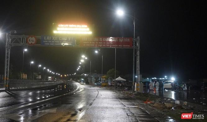 Lần đầu tiên mở hầm Hải Vân cho xe máy của người dân từ miền Nam về quê đi qua ảnh 9