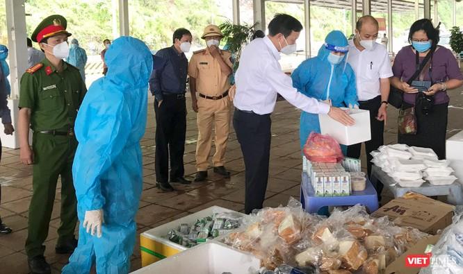 Đà Nẵng thiết lập điểm trợ giúp người dân từ các tỉnh phía Nam về quê ảnh 1