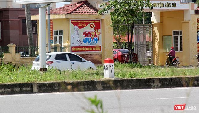 """Hoảng sợ nhìn cách chạy xe """"không giống ai"""" ở huyện Lộc Hà (Hà Tĩnh) ảnh 12"""