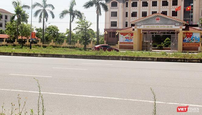 """Hoảng sợ nhìn cách chạy xe """"không giống ai"""" ở huyện Lộc Hà (Hà Tĩnh) ảnh 24"""