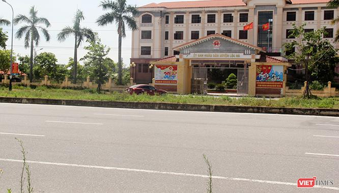 """Hoảng sợ nhìn cách chạy xe """"không giống ai"""" ở huyện Lộc Hà (Hà Tĩnh) ảnh 2"""