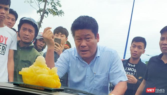 Bắt tạm giam 3 bị can vây chặn xe chở công an ở Đồng Nai ảnh 1