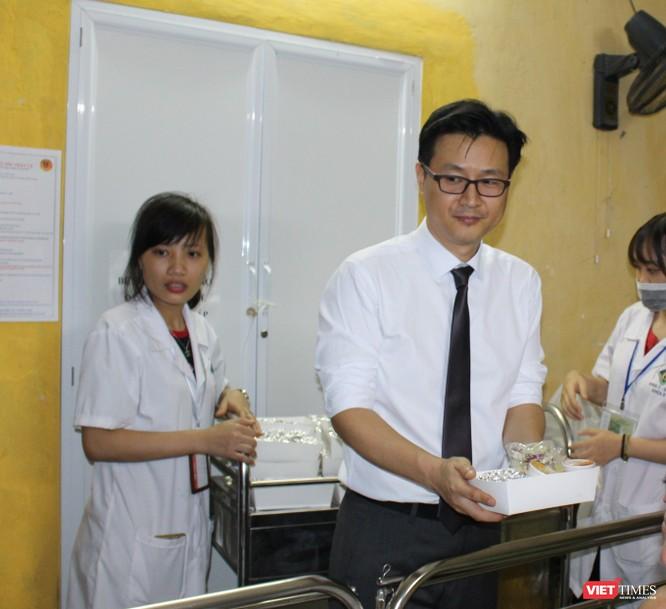 Hội Truyền thông số VN và công ty Don Chicken trao 900 suất quà thiện nguyện tại Bệnh viện 19-8 ảnh 7
