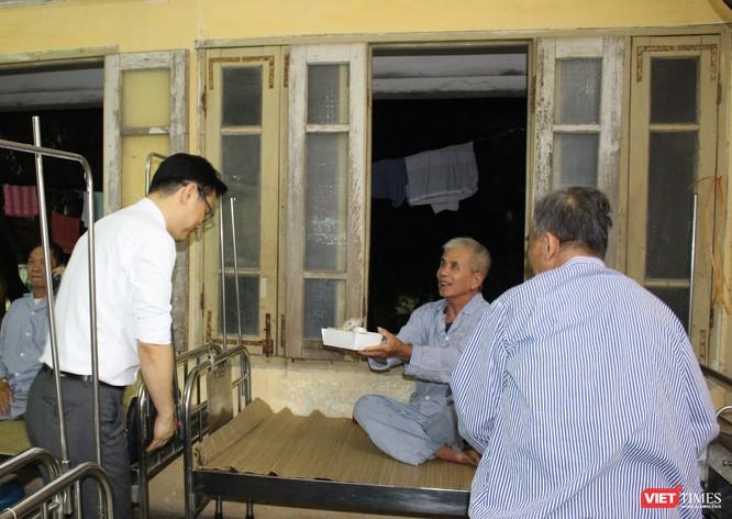 Hội Truyền thông số VN và công ty Don Chicken trao 900 suất quà thiện nguyện tại Bệnh viện 19-8 ảnh 8