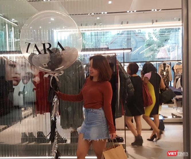 Zara Hà Nội khai trương: Mưa cả ngày vẫn kẹt cứng khách ảnh 18