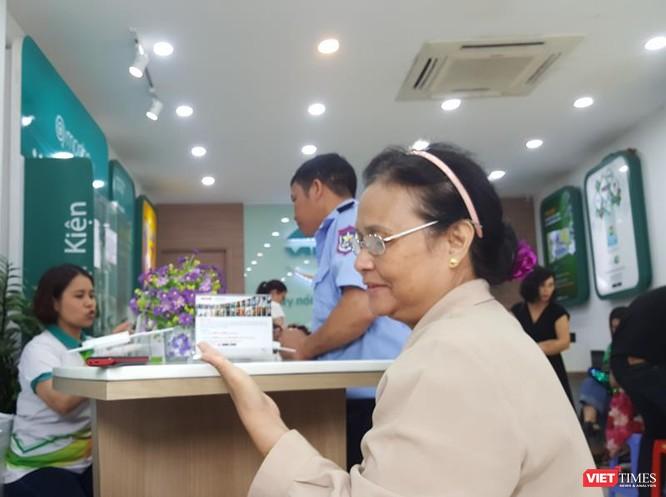 Người dân vẫn đổ xô đăng ký thông tin mặc dù nhà mạng thông báo lùi hạn đăng ký ảnh 12
