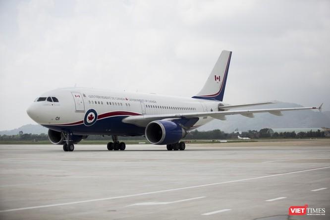 Máy bay chở Thủ tướng Canada Justin Trudeau hạ cánh tại sân bay Đà Nẵng