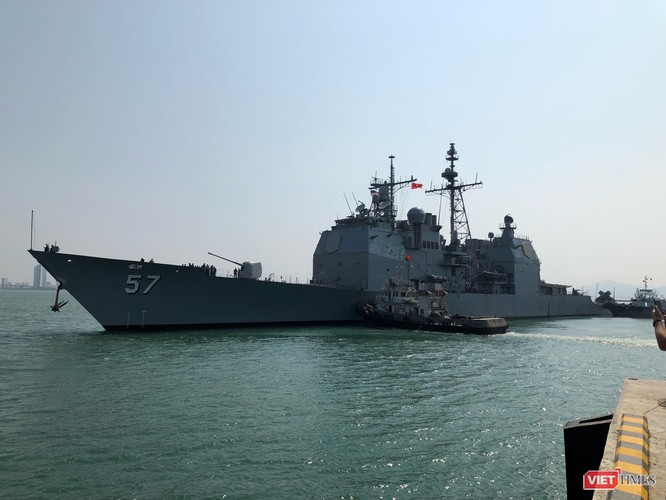 Chiêm ngưỡng tàu sân bay Mỹ USS Carl Vinson đang neo đậu ở Cảng Tiên Sa ảnh 7