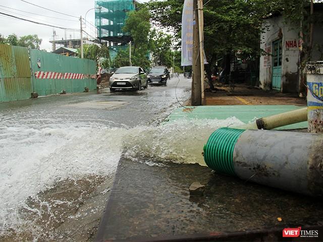 Người Sài Gòn trấn tĩnh sau bão lớn ảnh 13