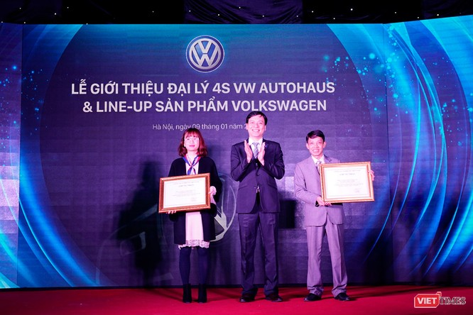 Hai showroom của đại lý 4S VW AutoHaus đồng loạt khai trương tại Hà Nội ảnh 2