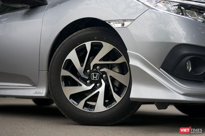 Honda Civic 1.8 E 2018 có xứng với mức giá 758 triệu đồng? ảnh 10