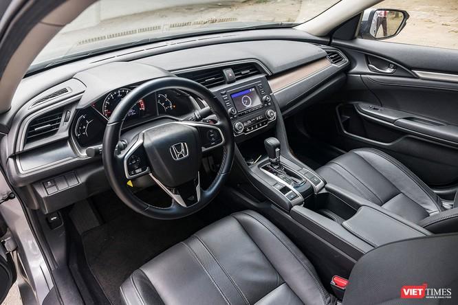 Honda Civic 1.8 E 2018 có xứng với mức giá 758 triệu đồng? ảnh 3