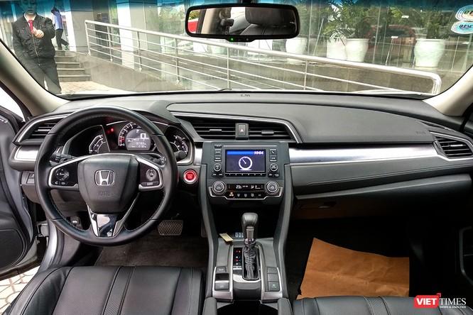 Honda Civic 1.8 E 2018 có xứng với mức giá 758 triệu đồng? ảnh 11