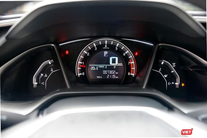 Honda Civic 1.8 E 2018 có xứng với mức giá 758 triệu đồng? ảnh 4