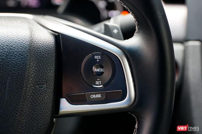 Honda Civic 1.8 E 2018 có xứng với mức giá 758 triệu đồng? ảnh 15