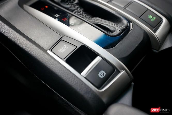 Honda Civic 1.8 E 2018 có xứng với mức giá 758 triệu đồng? ảnh 16
