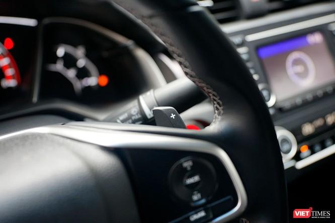 Honda Civic 1.8 E 2018 có xứng với mức giá 758 triệu đồng? ảnh 17