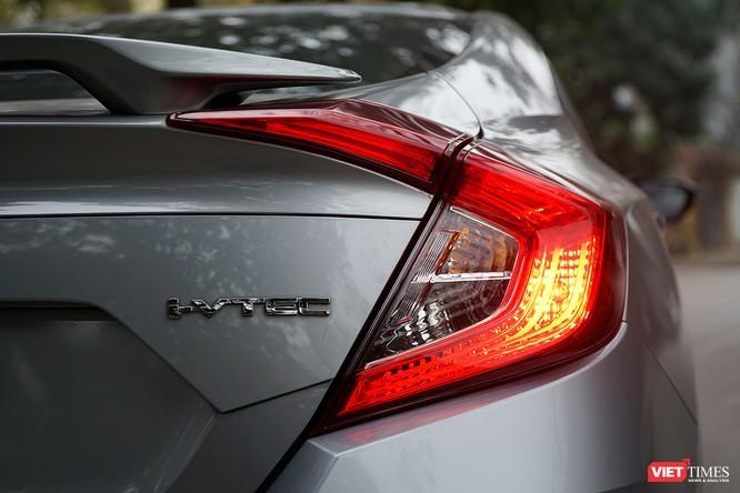 Honda Civic 1.8 E 2018 có xứng với mức giá 758 triệu đồng? ảnh 9