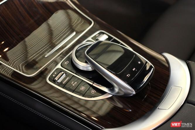Cận cảnh những chi tiết khác biệt trên phiên bản mới Mercedes-Benz GLC 200 ảnh 13