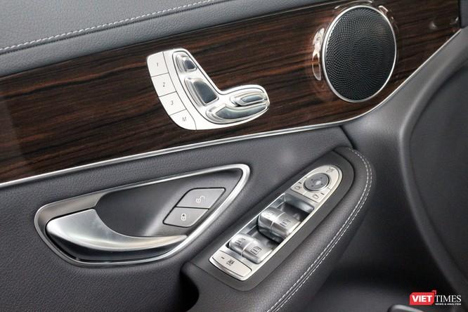 Cận cảnh những chi tiết khác biệt trên phiên bản mới Mercedes-Benz GLC 200 ảnh 12