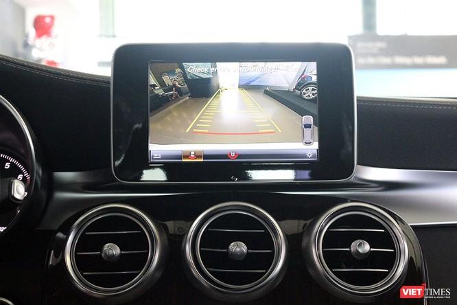 Cận cảnh những chi tiết khác biệt trên phiên bản mới Mercedes-Benz GLC 200 ảnh 11