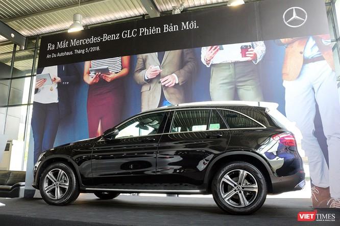 Cận cảnh những chi tiết khác biệt trên phiên bản mới Mercedes-Benz GLC 200 ảnh 15