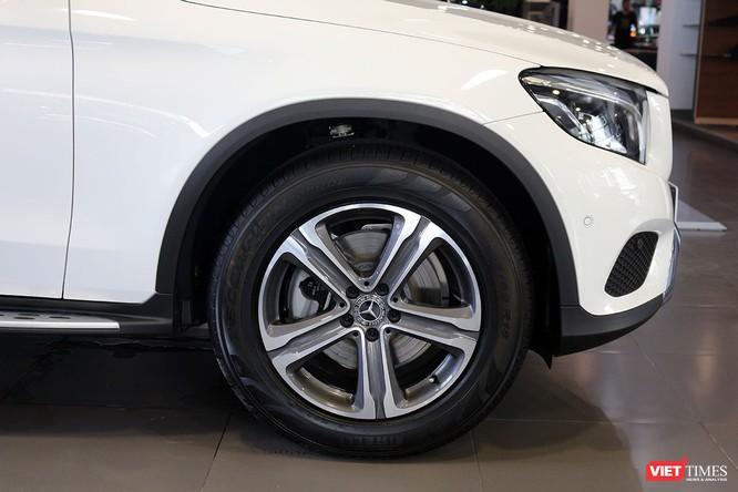 Cận cảnh những chi tiết khác biệt trên phiên bản mới Mercedes-Benz GLC 200 ảnh 3