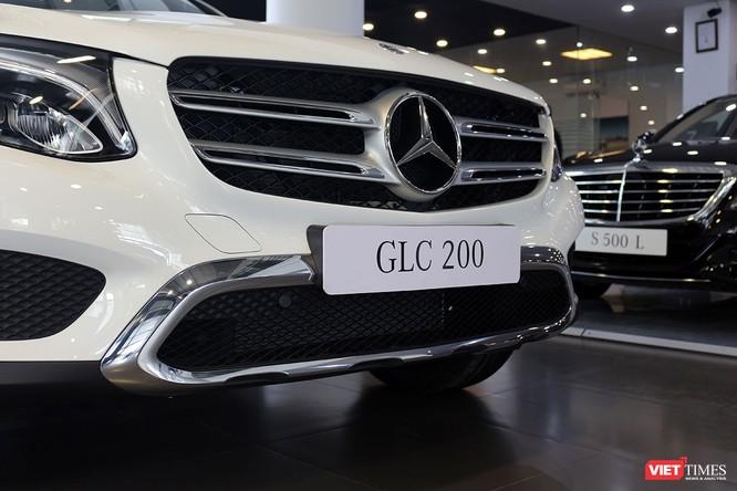Cận cảnh những chi tiết khác biệt trên phiên bản mới Mercedes-Benz GLC 200 ảnh 2
