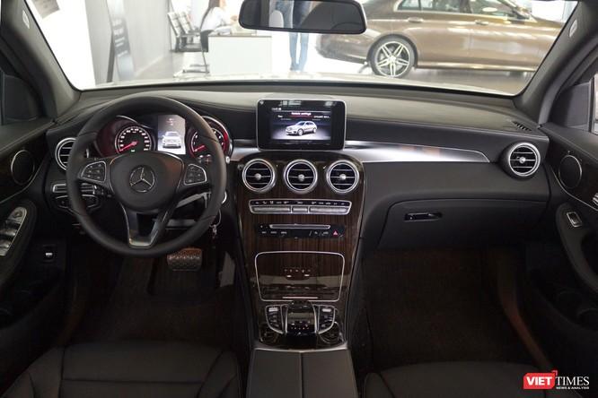Cận cảnh những chi tiết khác biệt trên phiên bản mới Mercedes-Benz GLC 200 ảnh 10