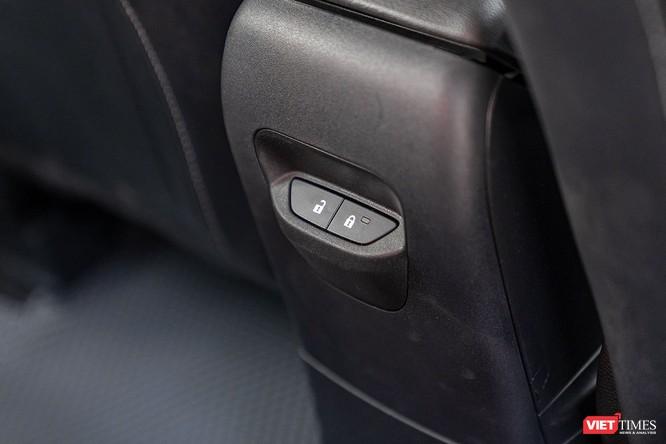Giữa Ford EcoSport 1.0 AT Titanium và 1.5 AT Titanium, bạn sẽ lựa chọn bản nào? ảnh 24