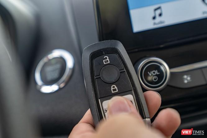 Giữa Ford EcoSport 1.0 AT Titanium và 1.5 AT Titanium, bạn sẽ lựa chọn bản nào? ảnh 31