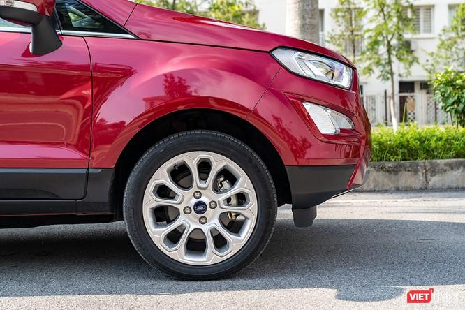 Giữa Ford EcoSport 1.0 AT Titanium và 1.5 AT Titanium, bạn sẽ lựa chọn bản nào? ảnh 14