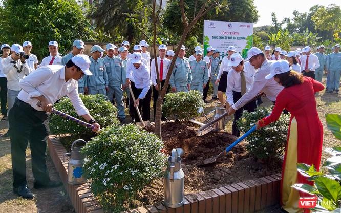 Toyota Việt Nam triển khai chương trình chung tay xanh hóa học đường tại 6 tỉnh ảnh 1