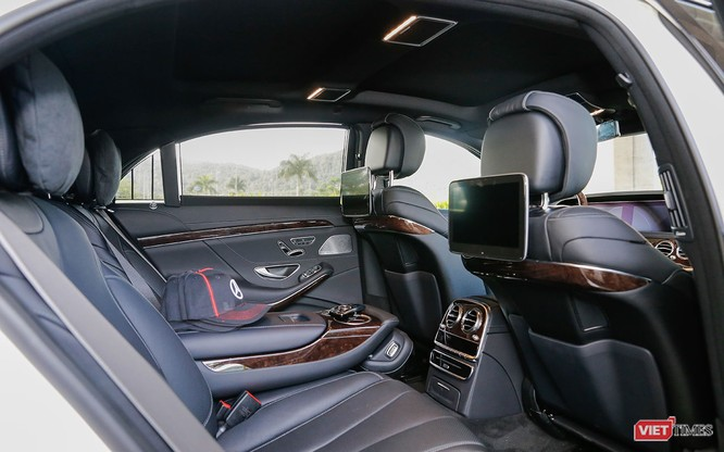 """Không chỉ phục vụ """"ông chủ"""", Mercedes-Benz S-Class 2018 giờ còn làm được nhiều hơn thế ảnh 3"""
