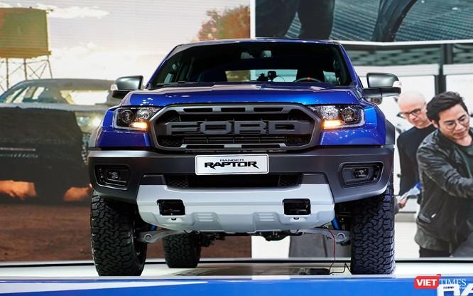 Ford Ranger Raptor có giá 1,198 tỷ đồng, tháng 11/2018 bắt đầu giao xe cho khách ảnh 1