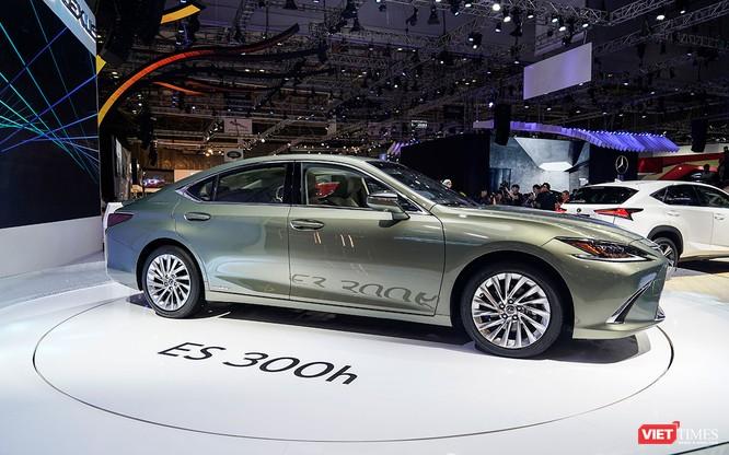 Lexus ES300h 2019 chọn VMS 2018 để ra mắt, rất nhiều thứ mới, đáng quan tâm ảnh 1
