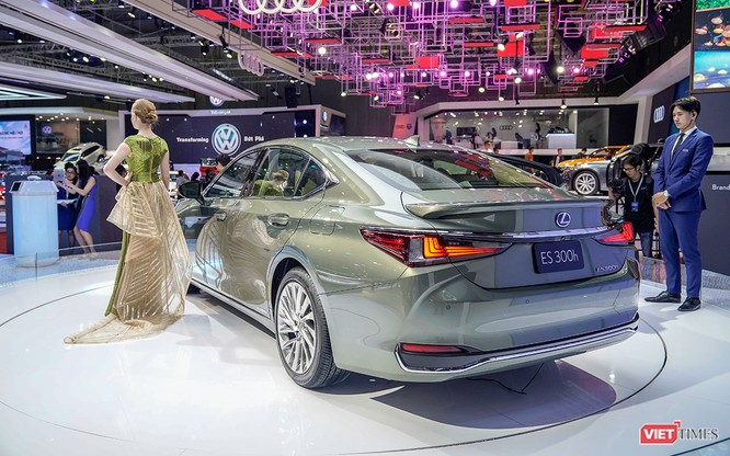 Lexus ES300h 2019 chọn VMS 2018 để ra mắt, rất nhiều thứ mới, đáng quan tâm ảnh 2