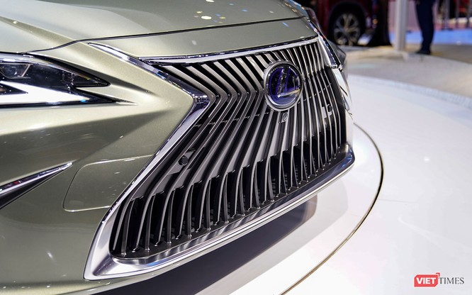 Lexus ES300h 2019 chọn VMS 2018 để ra mắt, rất nhiều thứ mới, đáng quan tâm ảnh 11