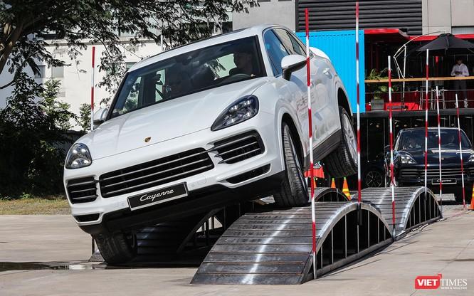 Porsche Cayenne thế hệ mới: Không chỉ dành cho phố thị ảnh 4