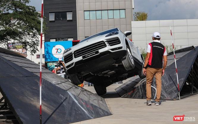 Porsche Cayenne thế hệ mới: Không chỉ dành cho phố thị ảnh 7