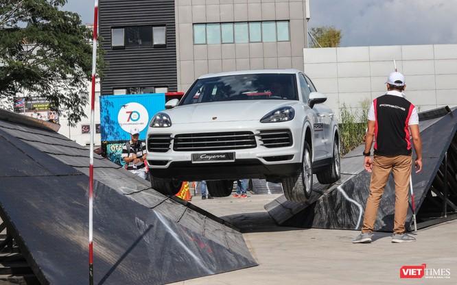 Porsche Cayenne thế hệ mới: Không chỉ dành cho phố thị ảnh 8