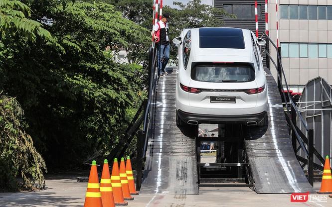 Porsche Cayenne thế hệ mới: Không chỉ dành cho phố thị ảnh 15