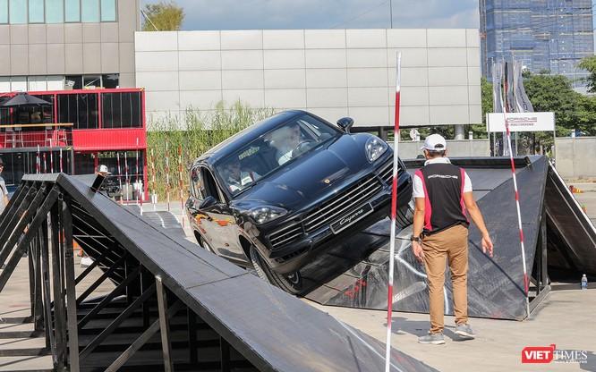 Porsche Cayenne thế hệ mới: Không chỉ dành cho phố thị ảnh 9