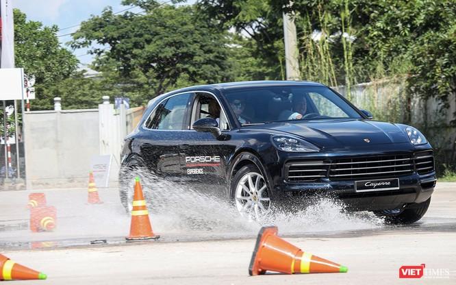 Porsche Cayenne thế hệ mới: Không chỉ dành cho phố thị ảnh 20