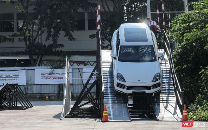 Porsche Cayenne thế hệ mới: Không chỉ dành cho phố thị ảnh 18