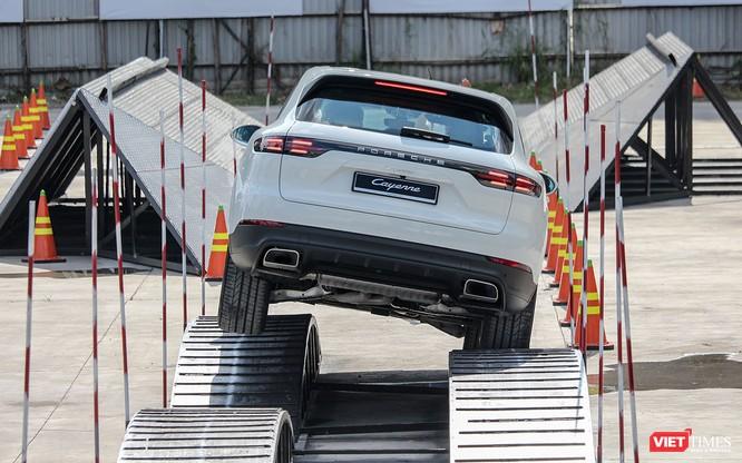 Porsche Cayenne thế hệ mới: Không chỉ dành cho phố thị ảnh 6
