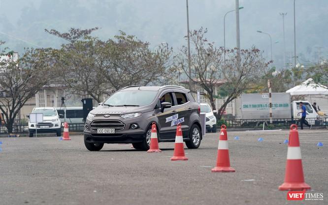 """Khi """"chuyên gia đường phố"""" Ford EcoSport thách thức cả địa hình offroad ảnh 2"""