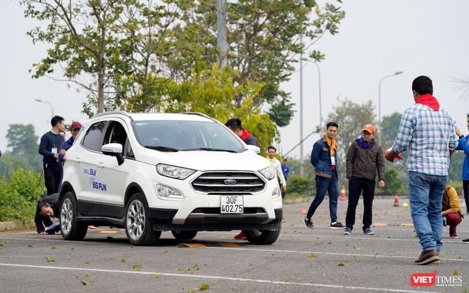 """Khi """"chuyên gia đường phố"""" Ford EcoSport thách thức cả địa hình offroad ảnh 4"""
